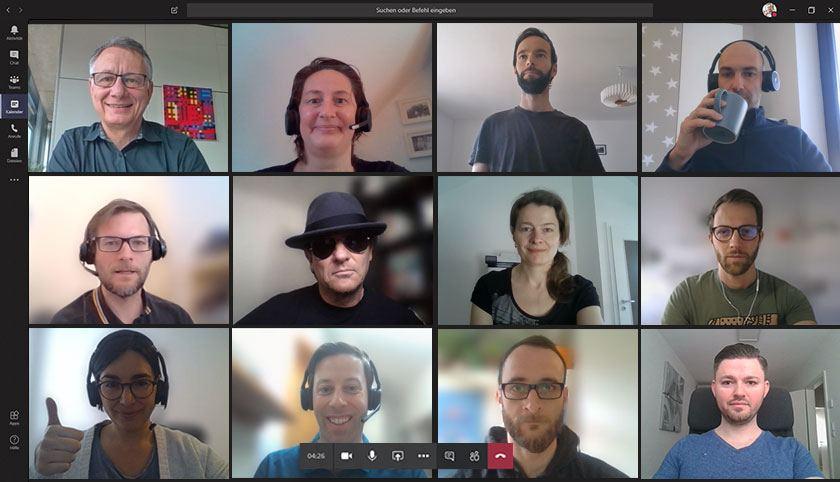 Team von Seven2one im Home Office bei einer Videokonferenz